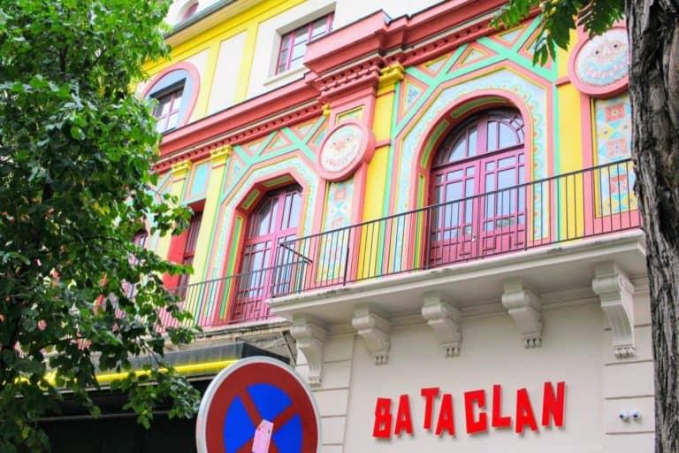 バンクシーがステンシルを描いたパリのバタクラン劇場