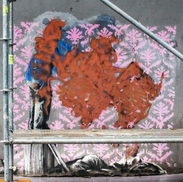 塗りつぶされたバンクシーの壁画 - Porte de la Chapelle
