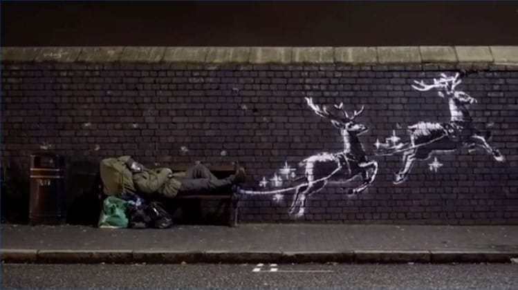 バーミンガムの壁画をフィーチャーしたバンクシーのクリスマス動画