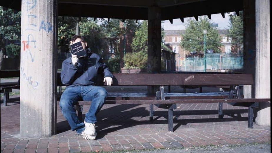 シティーブ・ラザリディスによるバンクシーの写真「Banksy Captured」