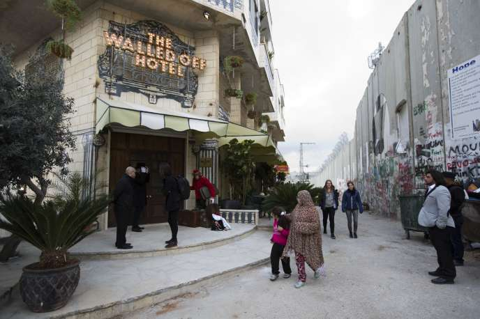 バンクシーの世界一眺めの悪いホテル The Walled Off Hotel