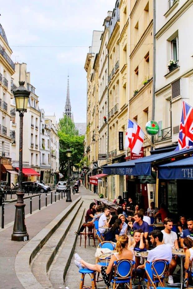 PARIS プラス・モベール(モベール広場)