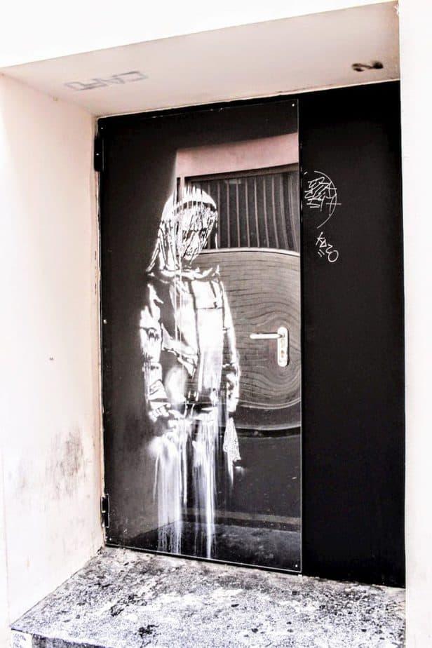 Banksy Bataclan Paris 2018